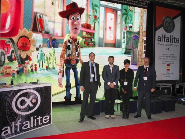 Equipo Alfalite en su Stand de la Feria ISE 2014